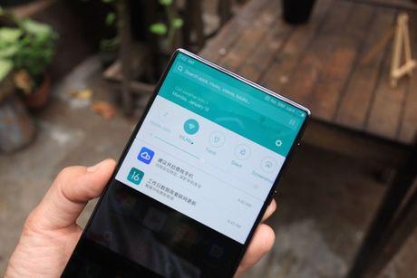 Xiaomi Mi Mix man hinh khong vien, vat lieu gom, gia 17,9 trieu dong - Anh 2
