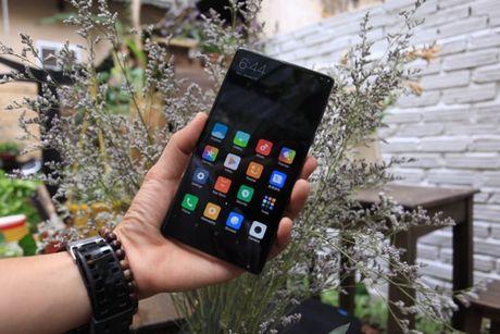 Xiaomi Mi Mix man hinh khong vien, vat lieu gom, gia 17,9 trieu dong - Anh 7
