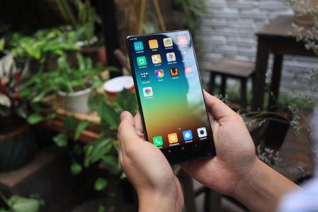 Xiaomi Mi Mix man hinh khong vien, vat lieu gom, gia 17,9 trieu dong - Anh 9