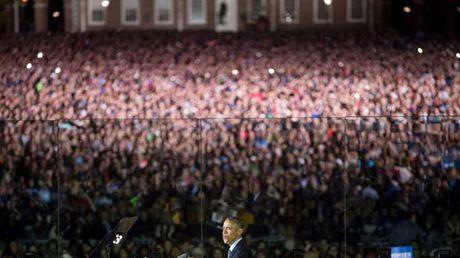 Clinton, Obama dien thuyet sau hang rao kinh chan dan - Anh 1