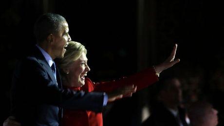 Clinton, Obama dien thuyet sau hang rao kinh chan dan - Anh 2