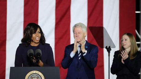 Clinton, Obama dien thuyet sau hang rao kinh chan dan - Anh 4