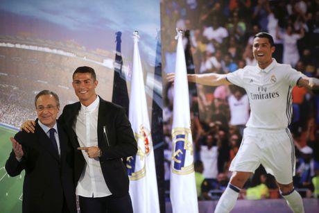 Ronaldo, huyen thoai song cua Real Madrid - Anh 3