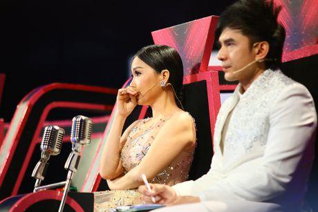 Cam Ly xuc dong vi nho Minh Thuan tren ghe nong - Anh 2