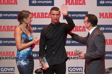 Ronaldo gianh danh hieu cau thu hay nhat La Liga - Anh 1