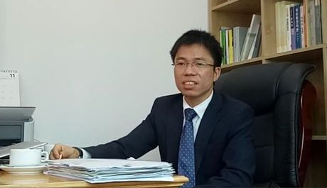 Hieu truong chui hoc vien: Chuc danh giao su den tu dai hoc 'ma'? - Anh 1