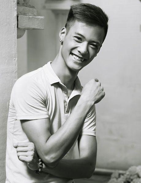 'Chang trai hat hay nhu Tuan Hung' dot ngot qua doi - Anh 1