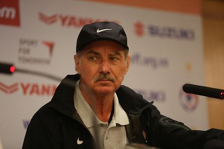 HLV Alfred Riedl: 'Hay cho ket qua o AFF Cup 2016' - Anh 1