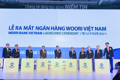 Woori Bank Han Quoc ra mat ngan hang con tai Viet Nam - Anh 1