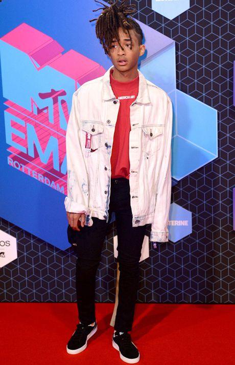 'Chao dao' voi nhung my nhan khoe sac tren tham do giai MTV EMA 2016 - Anh 16