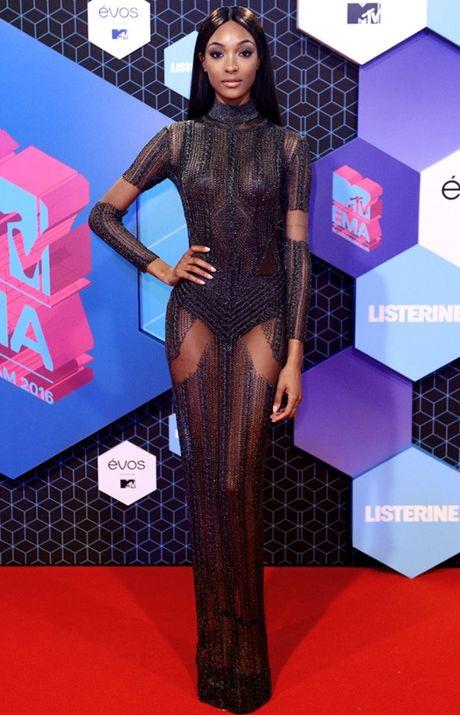 'Chao dao' voi nhung my nhan khoe sac tren tham do giai MTV EMA 2016 - Anh 2