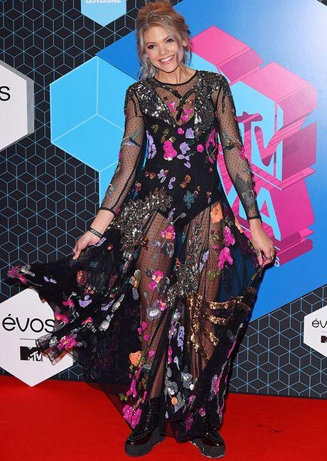 'Chao dao' voi nhung my nhan khoe sac tren tham do giai MTV EMA 2016 - Anh 9