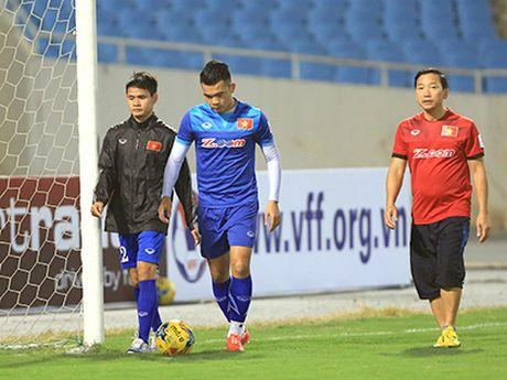 TRUC TIEP Viet Nam 0-0 Indonesia: Xuan Truong,Trong Hoang, Cong Vinh, Van Quyet da chinh (Hiep 1) - Anh 3