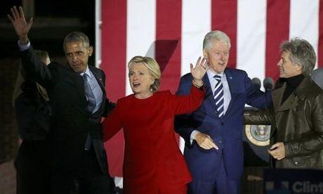 Chum anh: Hillary Clinton tu De nhat phu nhan toi giac mo nu Tong thong My dau tien - Anh 24