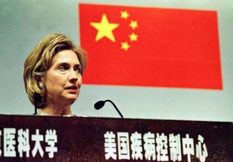 Chum anh: Hillary Clinton tu De nhat phu nhan toi giac mo nu Tong thong My dau tien - Anh 8
