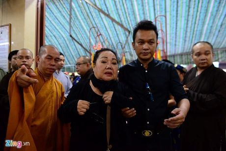 NSND Kim Cuong, Vu Linh khoc luc dua tien sau nu Ut Bach Lan - Anh 4