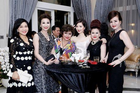 Noi that trong can biet thu moi cua Hoa hau Giang My - Anh 7