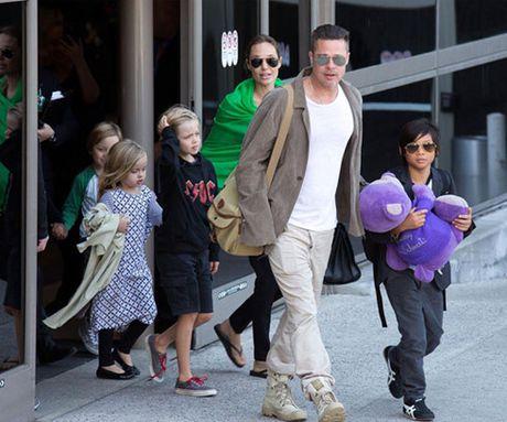 Brad Pitt da chap thuan de Angelina toan quyen nuoi con - Anh 2