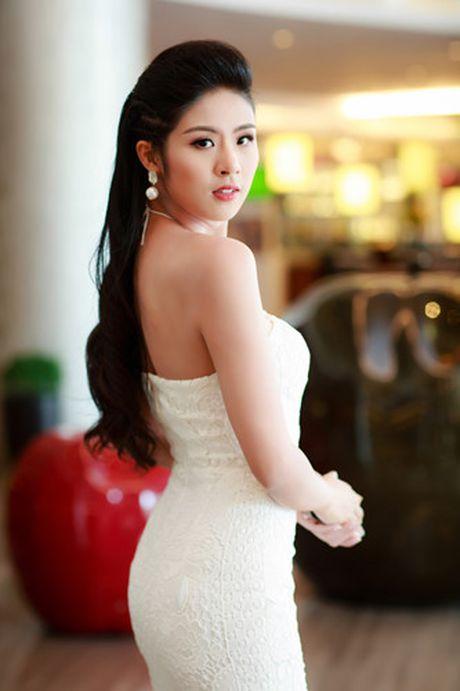 A hau Tu Anh 'do' sac trang voi Hoa hau Ngoc Han - Anh 12