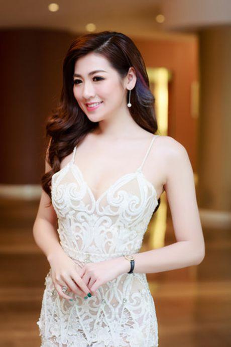 A hau Tu Anh 'do' sac trang voi Hoa hau Ngoc Han - Anh 4