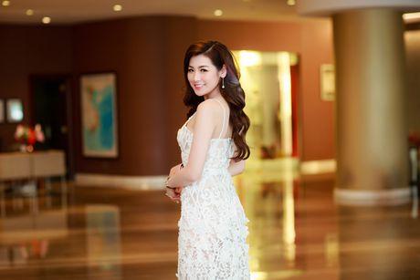 A hau Tu Anh 'do' sac trang voi Hoa hau Ngoc Han - Anh 5