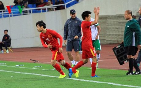 Hang cong toa sang, DT Viet Nam nguoc dong ngoan muc truoc Indonesia - Anh 22