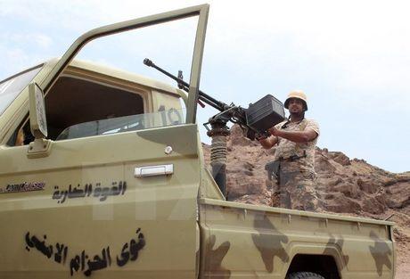 Quan doi Yemen tieu diet 6 tay sung tinh nghi thuoc al-Qaeda - Anh 1