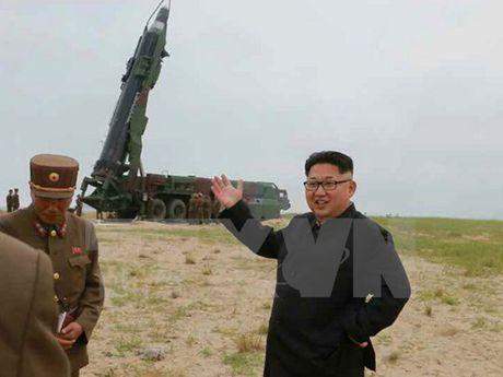 Nha lanh dao Trieu Tien Kim Jong-un thi sat don vi quan doi - Anh 1