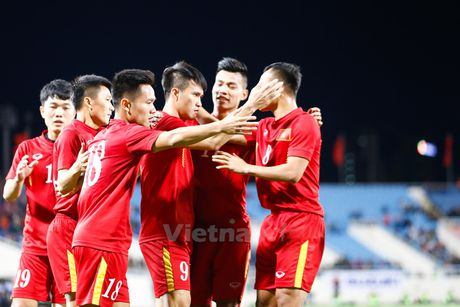 Cong Vinh 'canh cao' cac dan em ve mot so sai lam o tran gap Indonesia - Anh 2