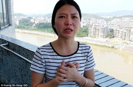 Thieu nu 19 tuoi ban than ty dong chua benh cho me - Anh 3