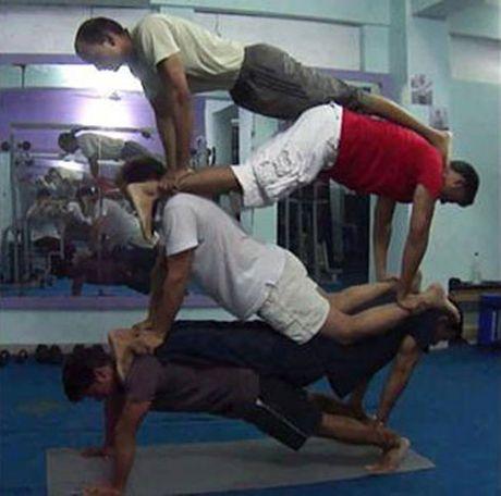 Nhung tinh huong 'eo le' trong phong tap gym - Anh 2