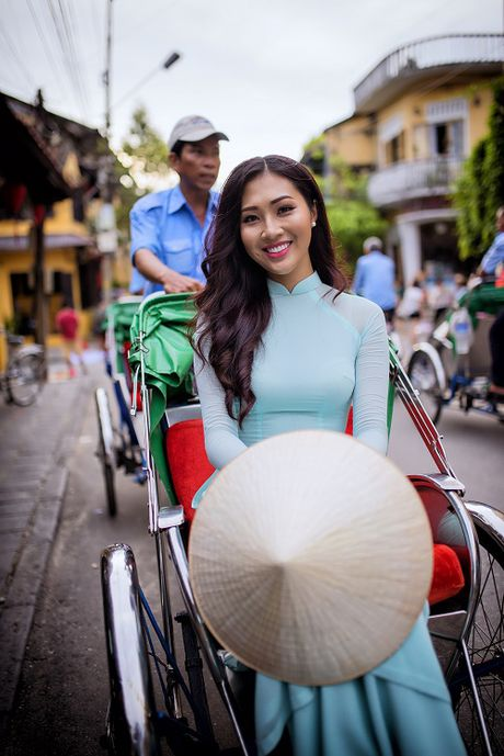 Hoa khoi Dieu Ngoc 'so ke' trinh Anh ngu voi Lan Khue - Anh 1