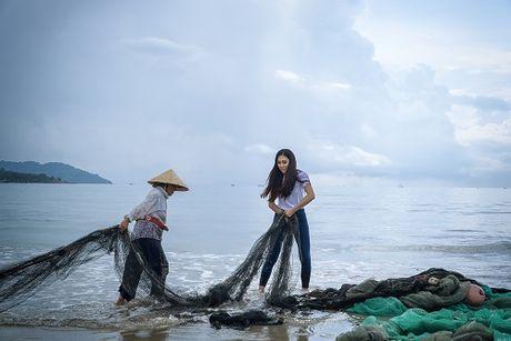 Hoa khoi Dieu Ngoc 'so ke' trinh Anh ngu voi Lan Khue - Anh 2