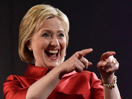 Ba Clinton van co the dao nguoc tinh the truoc Trump - Anh 1
