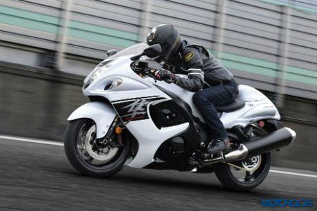 2017 Suzuki Hayabusa len ke doi dau Kawasaki Ninja - Anh 1