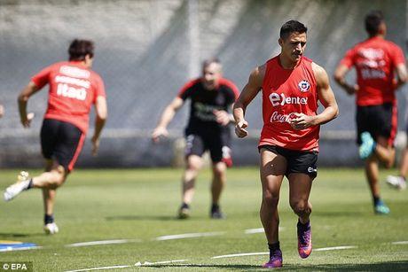 Arsenal kha nang lon mat Alexis Sanchez o tran dai chien voi MU - Anh 1