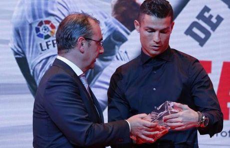 Nong: Ronaldo ki tiep hop dong 1 ty bang - Anh 1