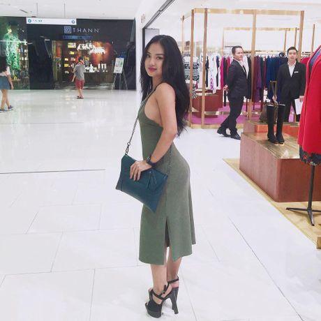 Co gai Tay Nguyen 'ba met be doi' van dep hut hon - Anh 1