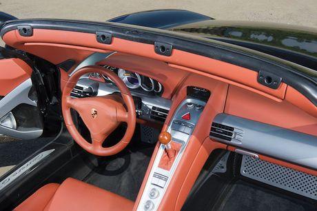 Nhin lai 'sieu pham' Porsche Carrera GT gia trieu do - Anh 5