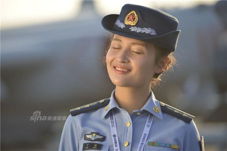 Man nhan dan 'bong hong' xinh dep tai trien lam Chu Hai - Anh 12