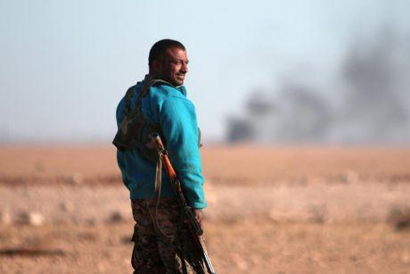 Nhung hinh anh dau tien ve chien dich giai phong Raqqa - Anh 12