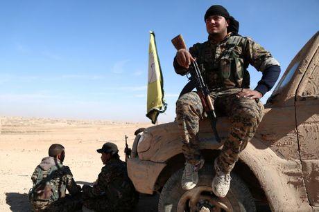 Nhung hinh anh dau tien ve chien dich giai phong Raqqa - Anh 4
