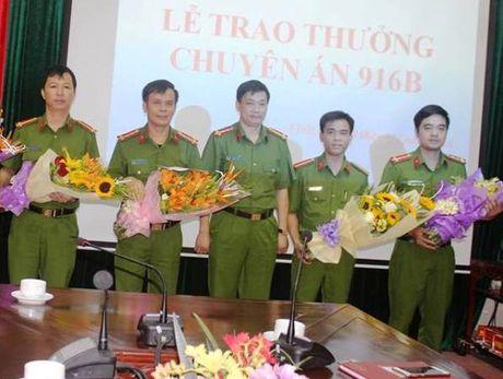 """Khen thuong Ban chuyen an pha soi bac """"khung"""" voi nhieu ong trum xa hoi den - Anh 1"""