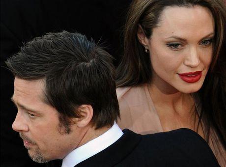 Brad Pitt khong xac nhan thong tin Angelina gianh duoc quyen nuoi con - Anh 1