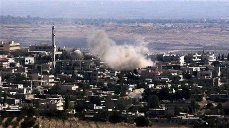 Israel tan cong Syria sau vu ban rocket vao cao nguyen Golan - Anh 1