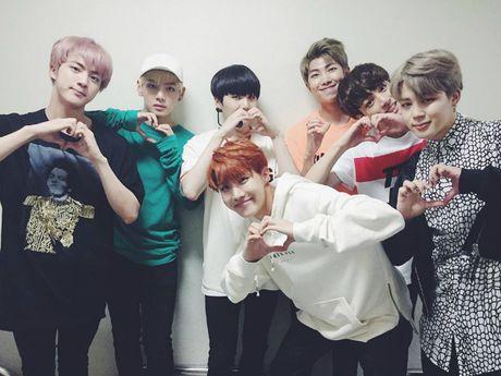 My idol: BTS - Nhung anh ban nha ben 'nhay toan tap' - Anh 1