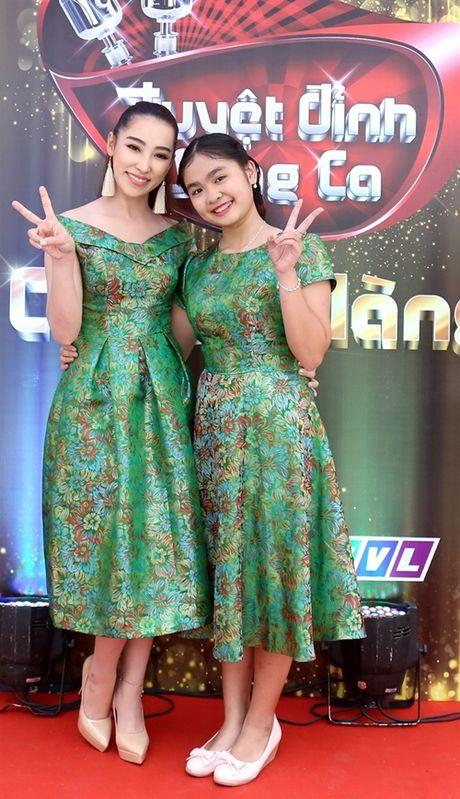 Ho Viet Trung suong ron khi lan dau hat voi chu nhan 'Vong co teen' - Anh 4