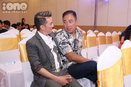 Ho Viet Trung suong ron khi lan dau hat voi chu nhan 'Vong co teen' - Anh 6