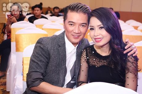 Ho Viet Trung suong ron khi lan dau hat voi chu nhan 'Vong co teen' - Anh 7