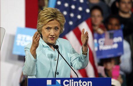 Hillary Clinton da chuan bi hai bai phat bieu - Anh 1